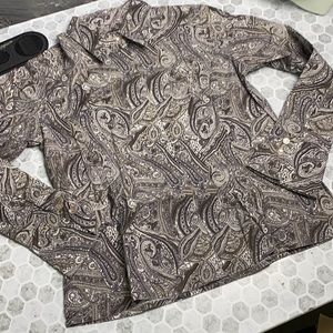 600 West Medium Brown Paisley Button Up Top